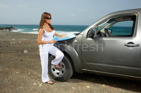 Meisje auto vrouw wolken zee reizen Stockfoto © dash
