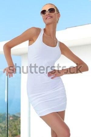 Bella sensuale donna piccolo minigonna posa Foto d'archivio © dash
