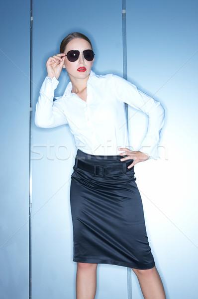 çalışma açık güzel iş kadını ayakta modern bina Stok fotoğraf © dash