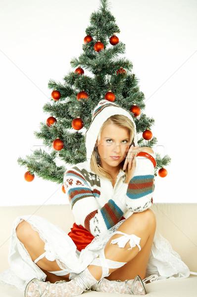 Foto stock: Belo · natal · mulher · jovem · árvore · de · natal · branco · mulher