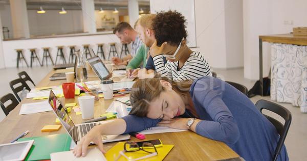 Сток-фото: устал · работник · таблице · служба · молодые · исчерпанный