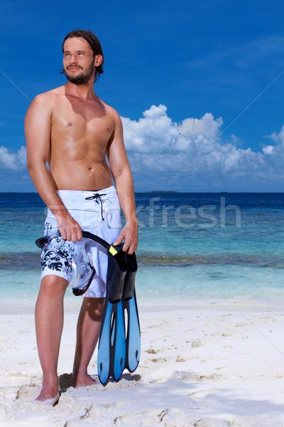Сток-фото: красивый · мужчина · Мальдивы · Постоянный · пляж · плавник
