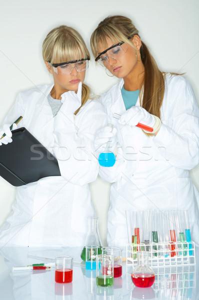 Vrouwelijke lab mooie werknemers testen vrouwen Stockfoto © dash