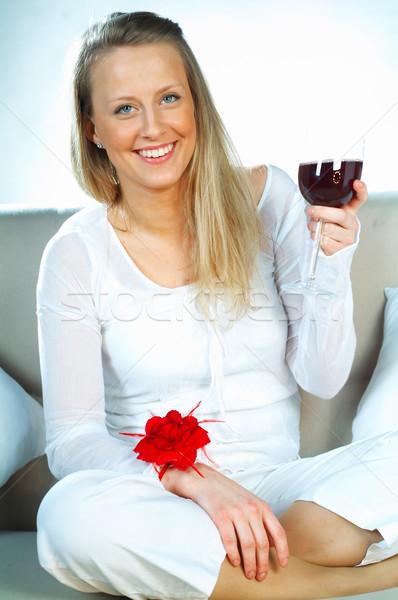 женщины вино довольно молодые блондинка стекла Сток-фото © dash