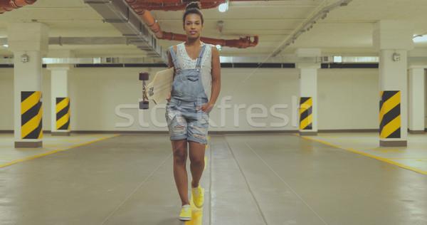 Fille parking jeune femme été vêtements Photo stock © dash