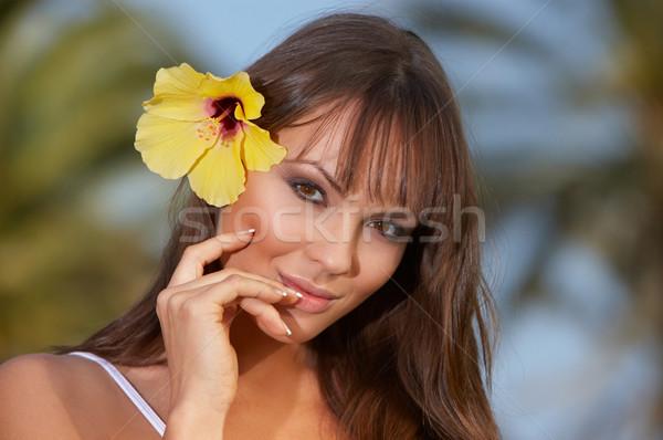 Gele bloem jaren exotisch meisje lichaam Stockfoto © dash