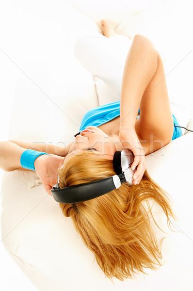 Dinleme müzik genç güzel mutlu kadın Stok fotoğraf © dash