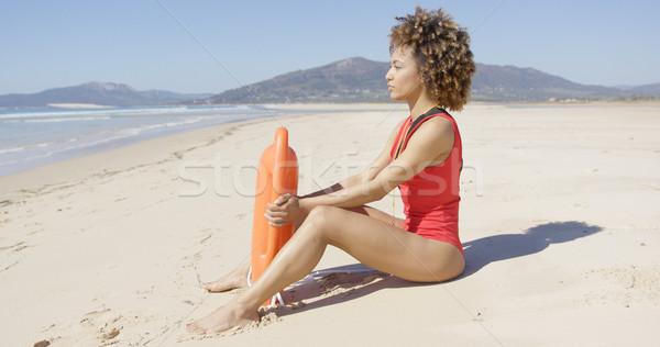 Badmeester vergadering redding strand vrouwelijke Stockfoto © dash