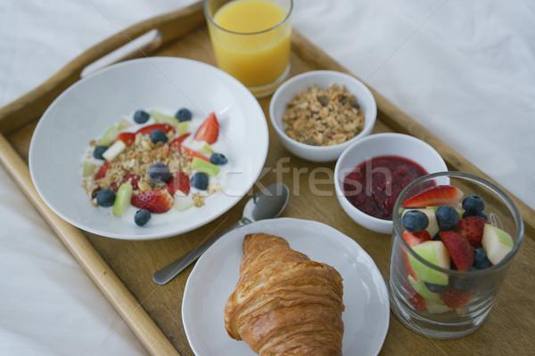 Gesunden Frühstück serviert Fach über Ansicht Stock foto © dash