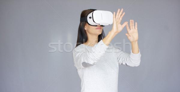 Nő virtuális valóság 3d szemüveg hosszú hajú gyönyörű nő Stock fotó © dash