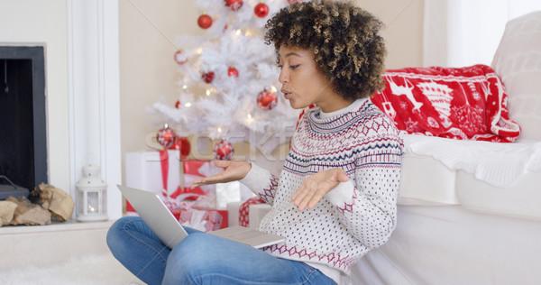 Cute jeune femme vidéo chat Noël ordinateur portable Photo stock © dash