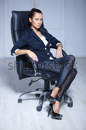 женщины в деловых костюмах фото порно № 313187 бесплатно
