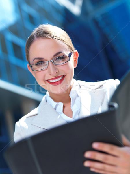 Güzel iş kadını ayakta açık modern bina iş Stok fotoğraf © dash