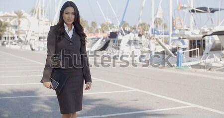 Femme marche quai jeunes femme d'affaires luxe Photo stock © dash