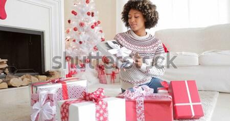 Junge Mädchen entspannenden hören Weihnachten Musik Sofa Stock foto © dash