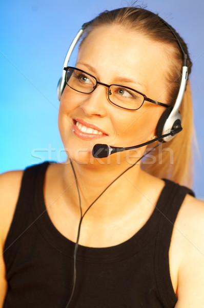 Foto stock: Call · center · agente · jovem · mulher · bonita · telefone