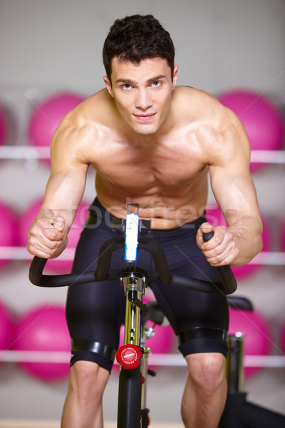 Top-less muscular hombre gimnasio moto Foto stock © dash
