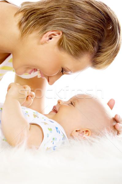 Foto stock: Mãe · filho · jovem · atraente · beijando · bonitinho