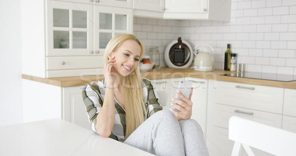 Charmant vrouwelijke keuken prachtig jonge Stockfoto © dash