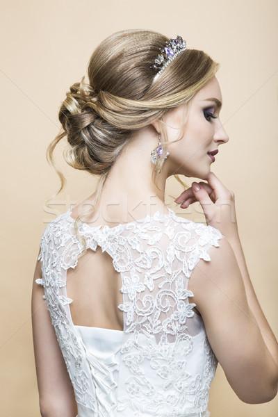 Fiatal csinos kaukázusi menyasszony esküvői ruha stúdió Stock fotó © dashapetrenko