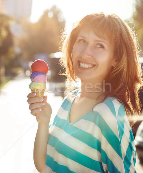 女性 アイスクリームコーン 手 屋外 食品 ストックフォト © dashapetrenko