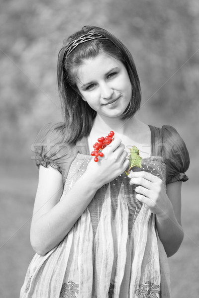 Fille branche portrait jeune fille forêt main Photo stock © dashapetrenko