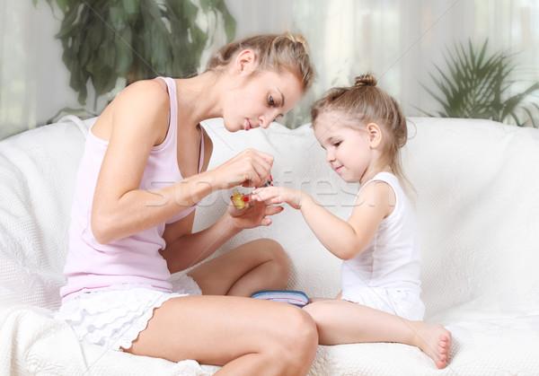 Meninas mãe filha pintura dedo unhas Foto stock © dashapetrenko