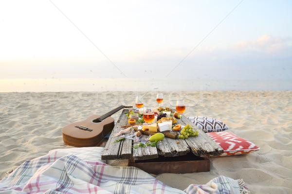 Top strand picknicktafel partij voedsel Stockfoto © dashapetrenko