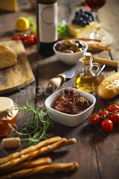 Nourriture italienne ingrédients bois vin rouge vin verre Photo stock © dashapetrenko