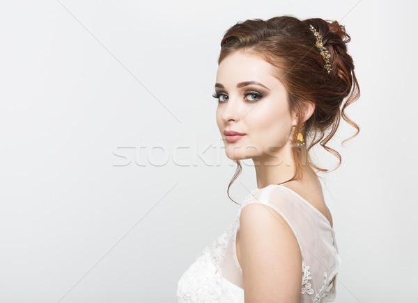 Jungen ziemlich Braut Hochzeitskleid Studio Stock foto © dashapetrenko