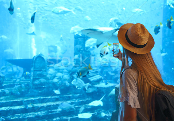 женщину фотография большой аквариум Hat Сток-фото © dashapetrenko