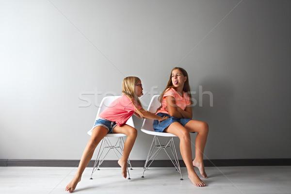 Rabbioso teen girl discussione piccolo problemi ragazza Foto d'archivio © dashapetrenko