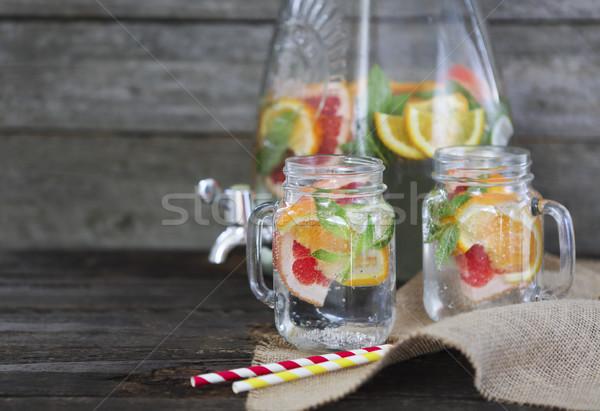 Twee bril natuurlijke eigengemaakt limonade tabel Stockfoto © dashapetrenko