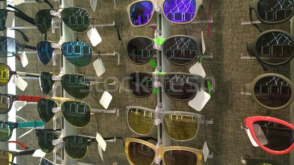 Tienda diferente gafas de sol modelos pantalla ojo Foto stock © dashapetrenko