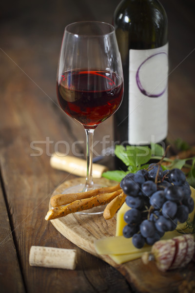 Comida italiana ingredientes vino tinto vino vidrio Foto stock © dashapetrenko