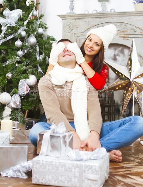 Jovem feliz casal árvore de natal sorridente mulher Foto stock © dashapetrenko