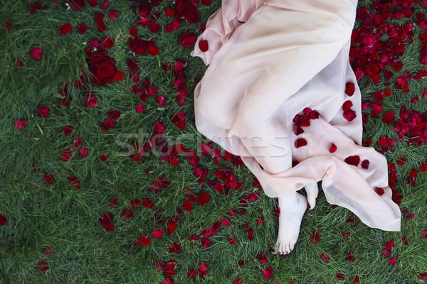 Tiro bela mulher pé vermelho pedicure Foto stock © dashapetrenko