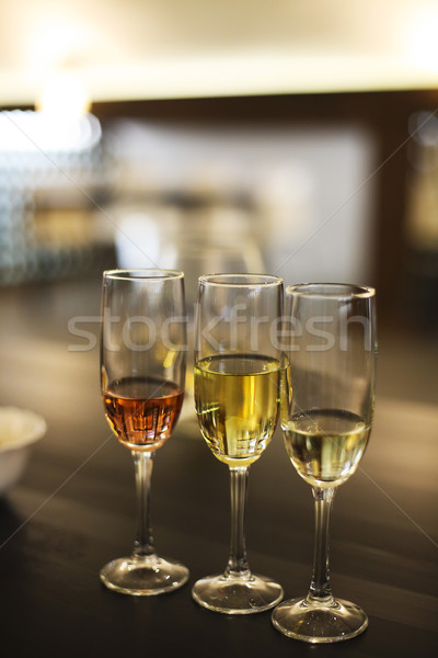 Champanhe óculos degustação de vinhos restaurante vinícola festa Foto stock © dashapetrenko
