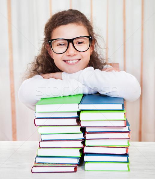 Meisje bril boeken weinig Stockfoto © dashapetrenko