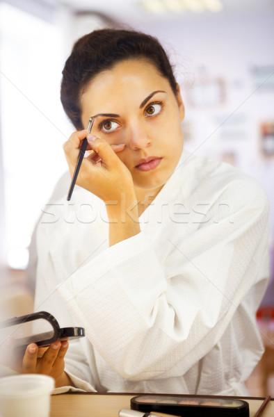 Retrato mujer hermosa ceja cepillo herramienta Foto stock © dashapetrenko