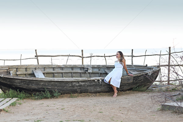 белое платье старые лодка морем Сток-фото © dashapetrenko