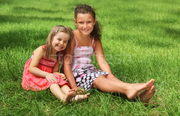 Dois feliz meninas verão dia Foto stock © dashapetrenko