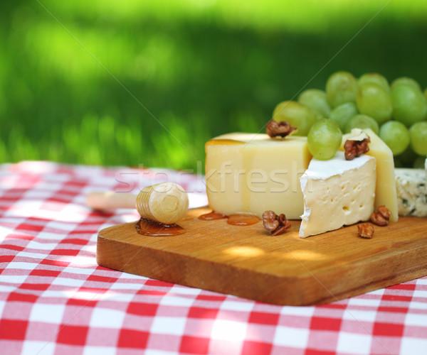 Foto stock: Queijo · uvas · ao · ar · livre · comida · festa