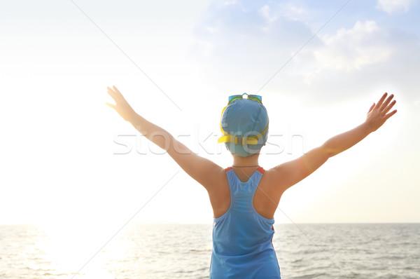 Gelukkig meisje zwemmer strand badpak zwemmen Stockfoto © dashapetrenko