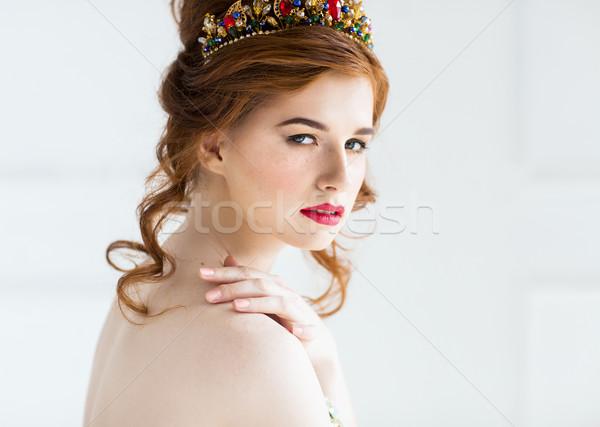 Gyönyörű divat modell pózol estélyi ruha nő Stock fotó © dashapetrenko