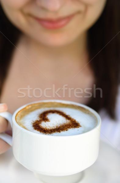 Amour café femme souriante tasse décoré coeur Photo stock © dashapetrenko