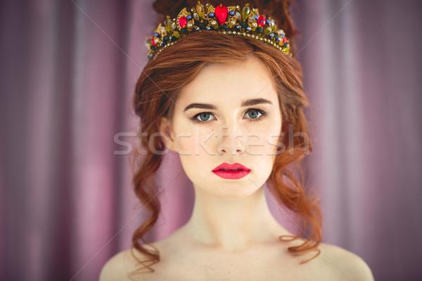 Gyönyörű divat modell pózol estélyi ruha boldog Stock fotó © dashapetrenko