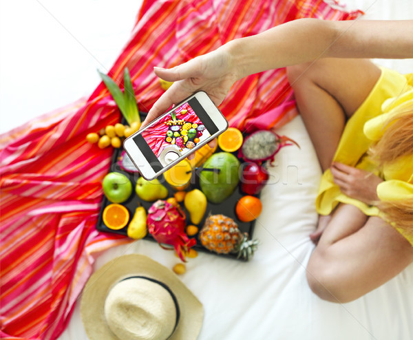 Foto exótico frutas bandeja Foto stock © dashapetrenko