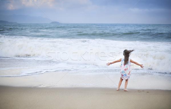 Foto stock: Adorável · little · girl · praia · férias · de · verão · férias