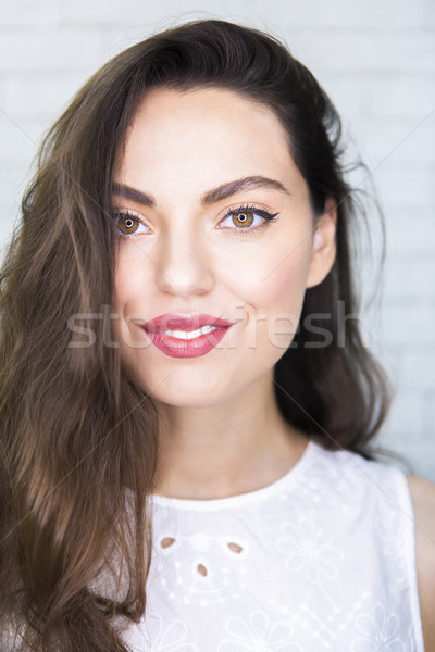 Portrait incroyable belle brunette femme Photo stock © dashapetrenko